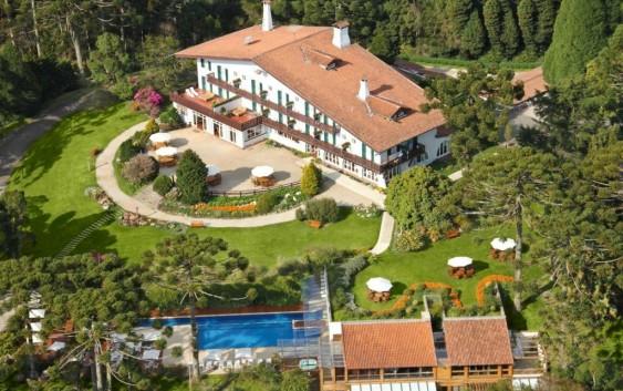 Hotel Toriba realiza residência artística com Rodolfo Giugliani