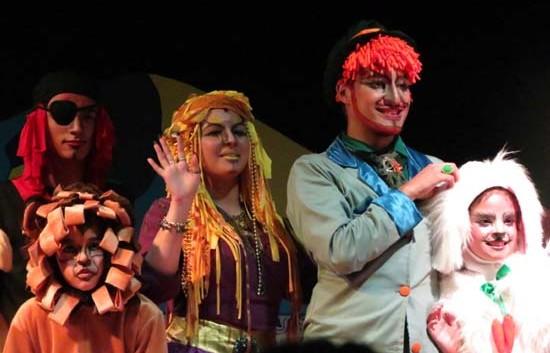 Grupo Teatral Expressão em Cena apresenta O Tesouro do Arco-Íris neste domingo