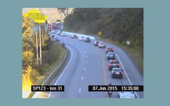 (16h00) Segue intenso a trânsito de veículos na Rod. Floriano Rodrigues Pinheiro. Confira o tempo de Viagem!