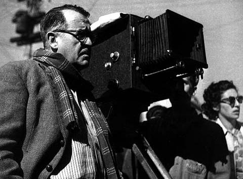 AMECampos e CineClube Araucária realizam exposição do cineastra Alberto Cavalcanti