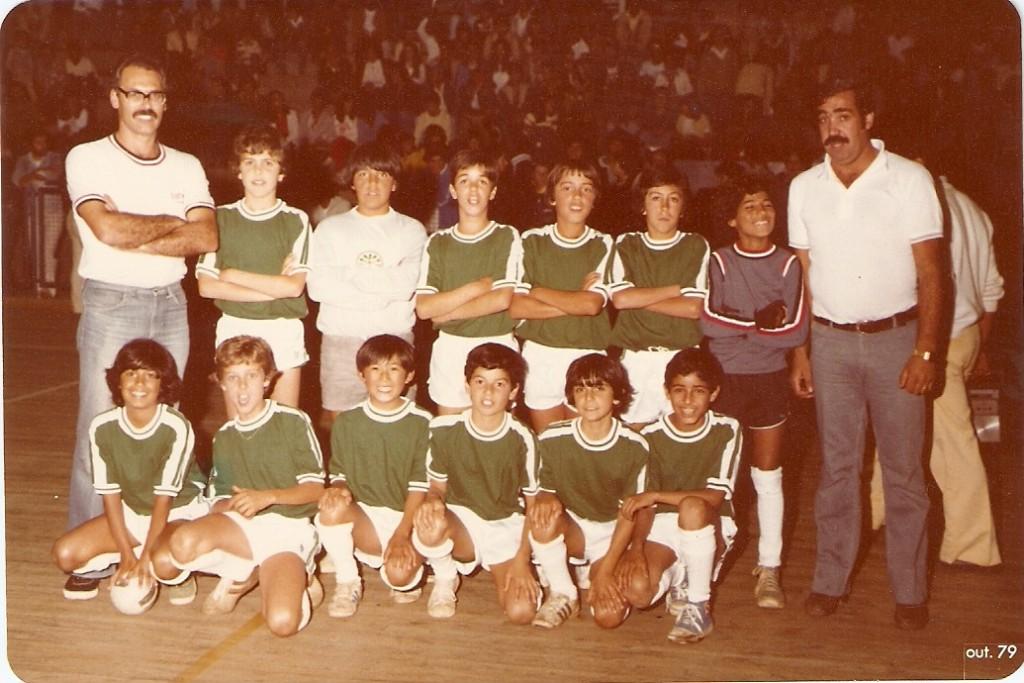 Clube Jordanense de Futebol de Salão - Mirim  1979 – Agachados:  Beto,  Douglas, Harumi,  Teco Ain,  Andre Pinheiro,  Adilson. Em pé:  Ladeira,  André,  Luizão, Ademir,  Nê Myra,  Marchinho,  Wilson  e Faria.