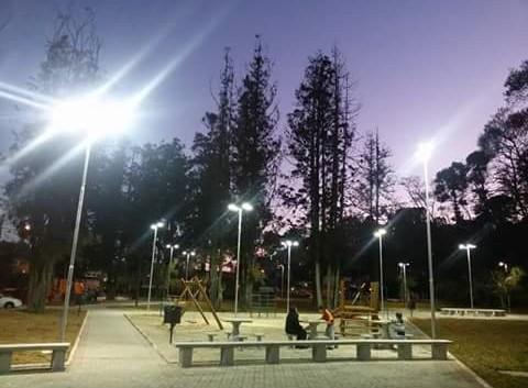 Agora Parque dos Cedros tem iluminação