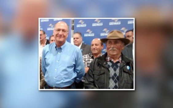 Alckmin socorre homenageado durante inauguração em Campos do Jordão