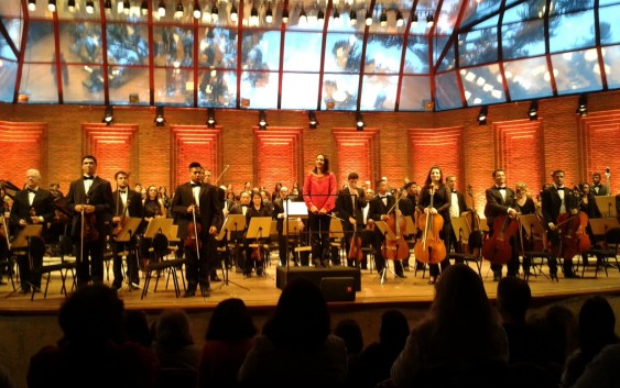"""ENTREVISTA: """"Neste concerto encerramos nossas atividades!"""" Disse a regente da Campos Filarmônica no palco do Festival de Inverno."""