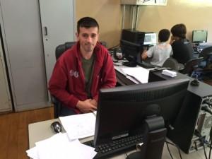 Alessandro Tavares da Silva, Monitor de Informática auxilia e orienta os alunos que utilizam o Laboratório de Informática