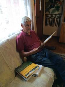 Uma leitura sempre cuidadosa e atenta, que leva o conhecimento para o cotidiano do artista