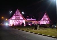 """Outubro Rosa: Campos do Jordão """"veste rosa"""" contra o câncer da mama"""