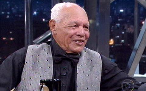 Bob Lester, um dos grandes dançarinos, cantor e músico do Brasil, morre aos 102 anos