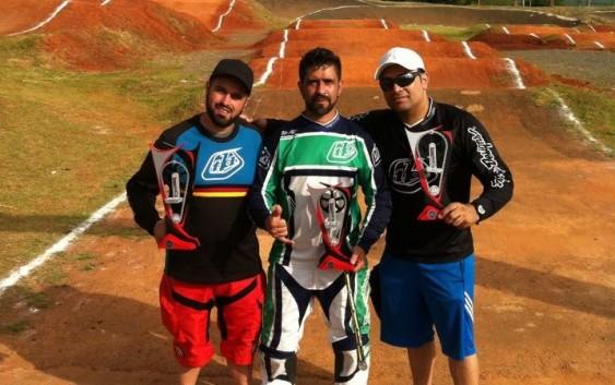 Final do Paulista de BMX e nossos pilotos chegam ao pódio entre os melhores