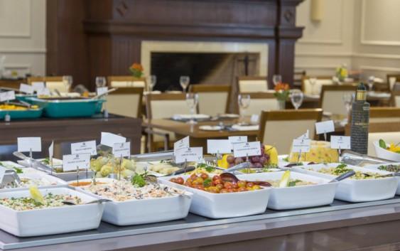 Restaurante Alquimia passa a servir o já tradicional buffet vegetariano também aos domingos