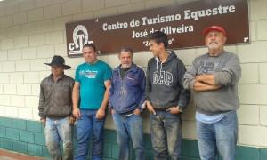 Alguns dos alugadores do Centro de Turismo Equestre