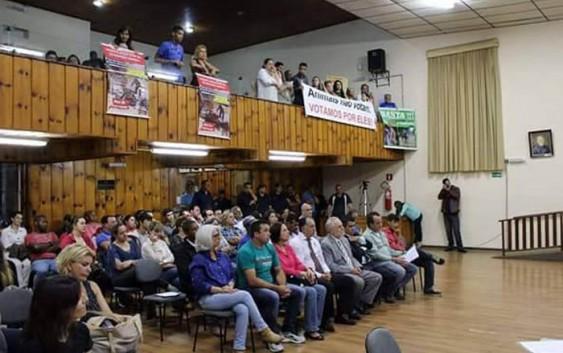 Audiência sobre proibição de Charretes reúne quase 250 na Câmara. Castelfranchi se manifesta por nota.