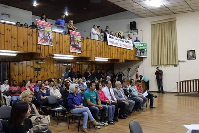 Público na Câmara Municipal durante a Audiência Publica da Lei das Charretes