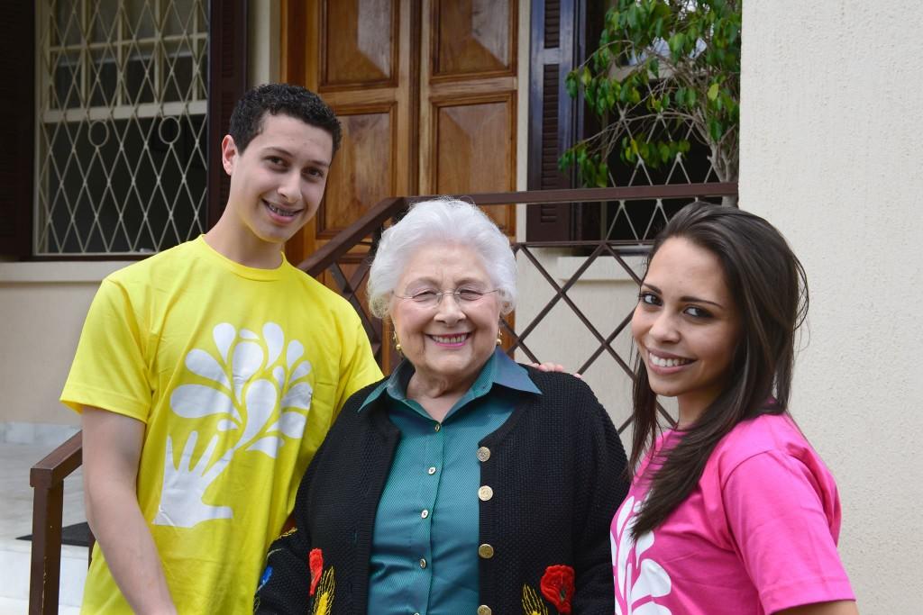 Vinicius da Silva e Ianca Pereira foram recebidos por Lia Maria Aguiar presidente da Fundação que leva seu nome antes da viagem para Alemanha