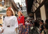 Carnaval Campos do Jordão 2016: Bonecos Gigantes de São Luiz agitam o Carnaval na montanha!
