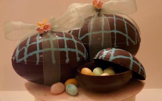 Ovos de Páscoa caseiros: Oportunidade para pagar mais barato e ganhar um dinheiro extra