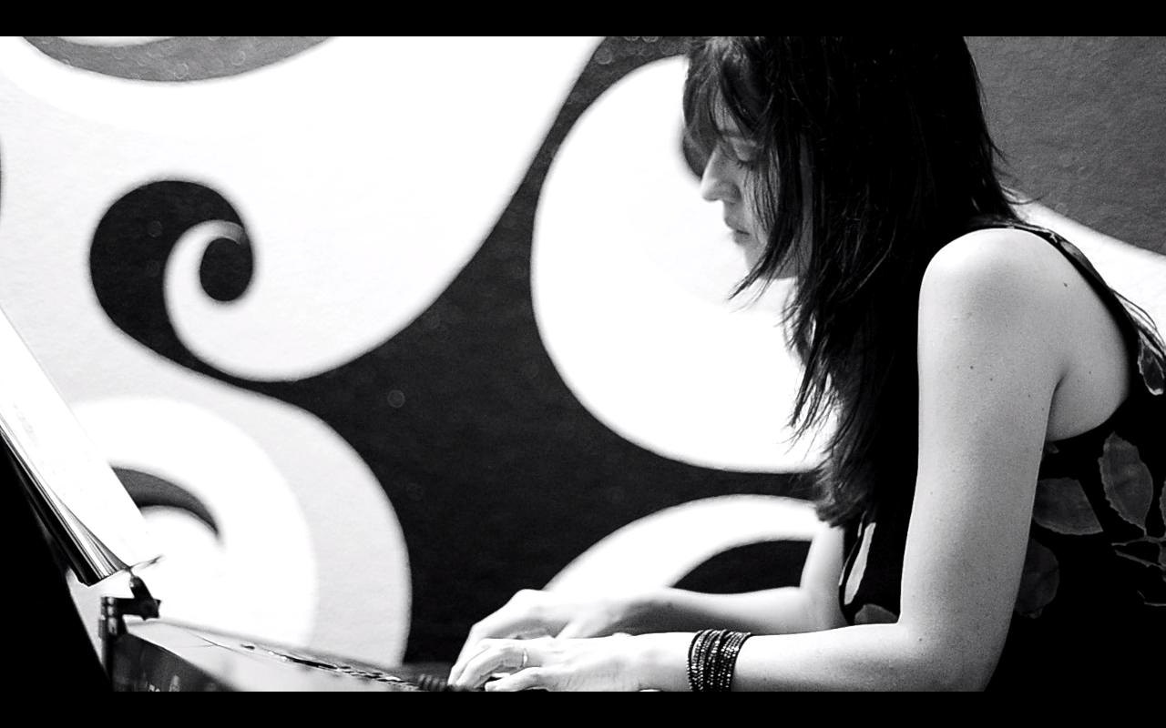 Luanda Piassa - Pianista