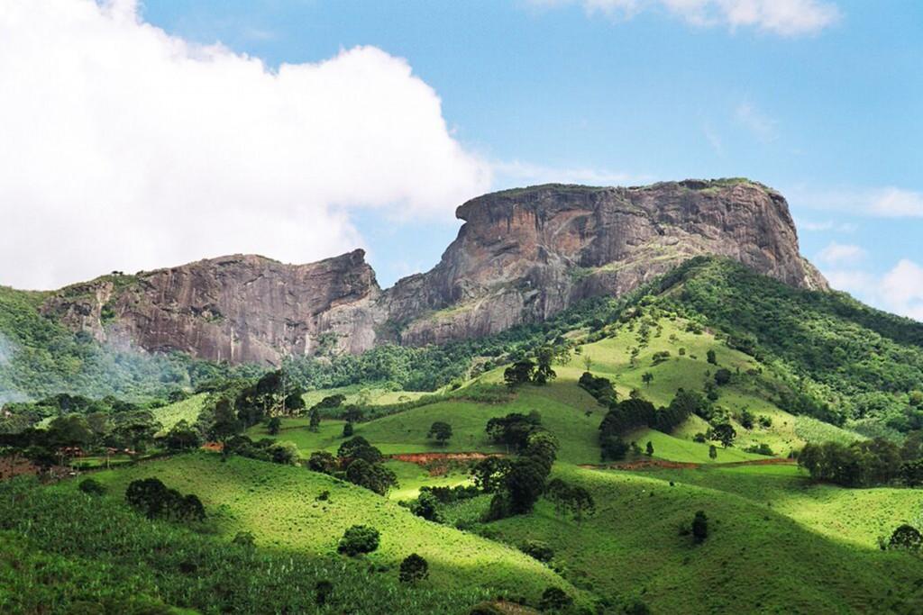 Pedra do Baú - Opção para quem gosta de percorrer trilhas na montanha