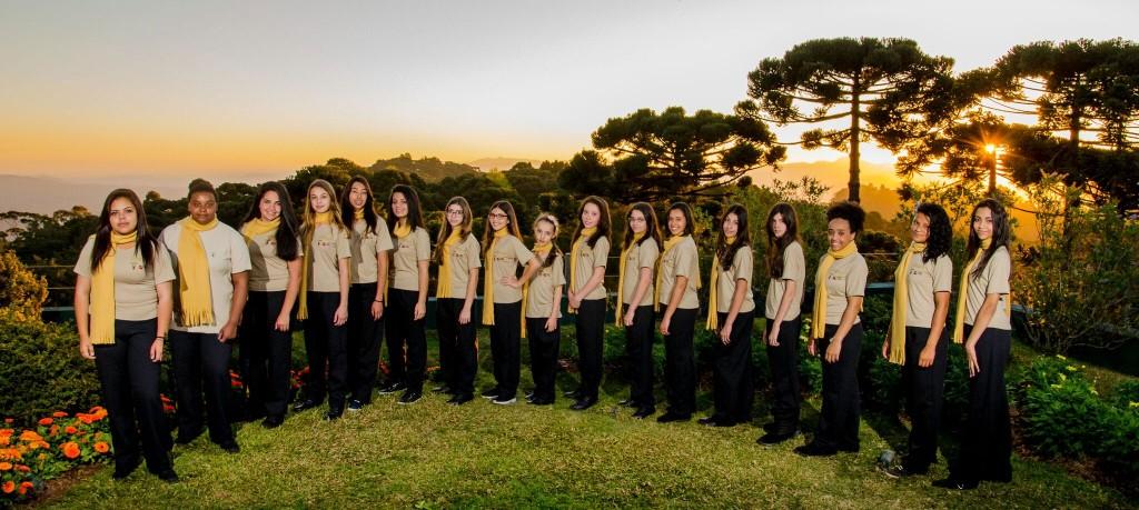 Meninas Cantoras de Campos do Jordão, que se apresentam neste domingo (18) no Piquenique Sinfônico