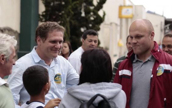 Com quase 50% dos votos, Fred Guidoni é reeleito prefeito de Campos do Jordão