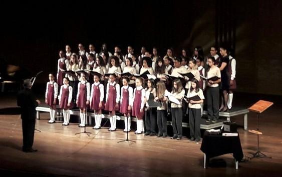 Sucesso e encanto na apresentação das Meninas Cantoras no Carnaval de Campos do Jordão