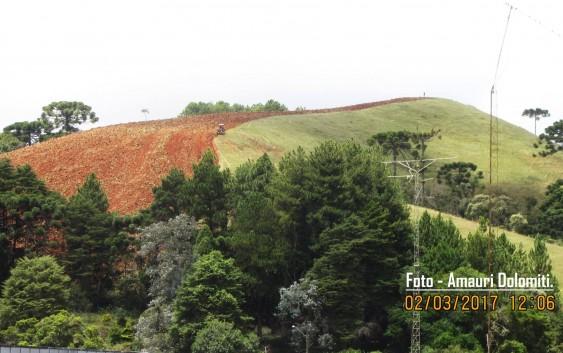 Execução de serviços no Morro da Santa Casa assusta população e abre o debate sobre a preservação da paisagem urbana