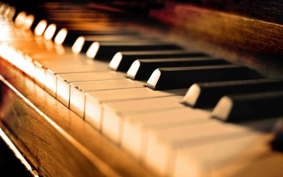 Feriado de Tiradentes terá recital de piano clássico com Murilo Emerenciano