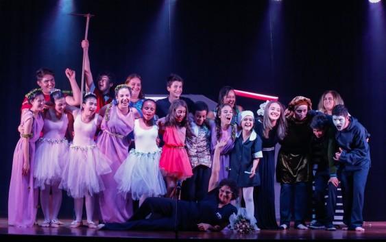 Escola Dora Lygia tem aula de teatro como atividade extracurricular
