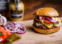Dia do hambúrguer terá evento especial em Campos do Jordão. (Tem até pra quem não come carne)