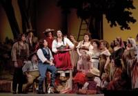 """Ingressos da ópera """"O Elixir do Amor"""" a ser apresentada em Campos do Jordão já estão disponíveis a venda"""