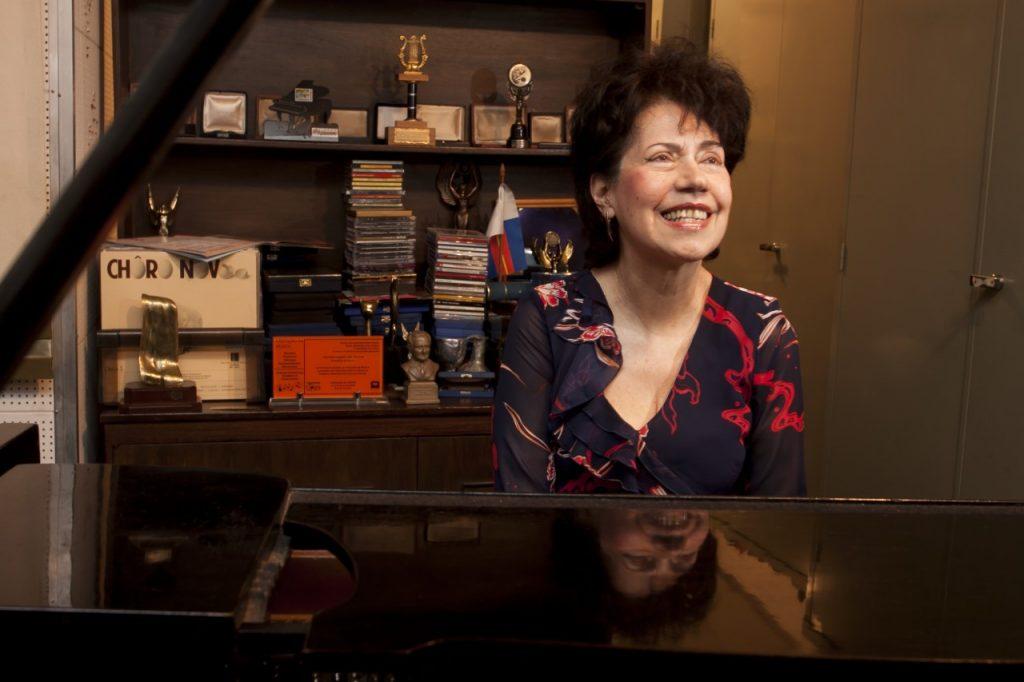 pianista Eudóxia de Barros. A grande dama do piano brasileiro