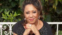 Edna D'Oliveira que se apresenta em Campos do Jordão no sábado