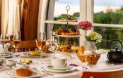 Chá da tarde do hotel Toriba: um passeio inigualável pela natureza e pela gastronomia em Campos do Jordão.