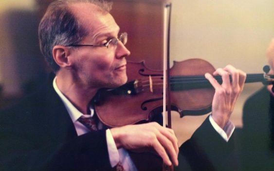 Hotel Toriba apresenta violinistas e pianista russos neste sábado