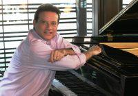 """""""Amor e Humor através dos tempos"""", de Cláudio Goldman, é a atração Toriba Musical neste sábado"""