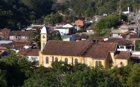 Educadores da rede pública de Santo Antônio do Pinhal concluem formação do projeto Viajando na Leitura