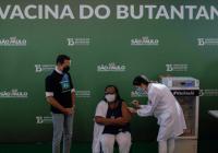 Após primeira pessoa ser vacinada contra COVID19 no Brasil, saiba como será o esquema de vacinação em Campos do Jordão